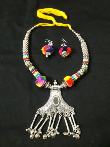 Adorable Long Multicolor Oxodize Necklace With Earings