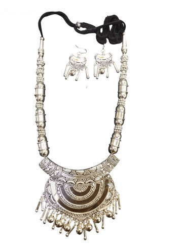 Buy Elegant Rabari Style Oxodized Necklace with Earings Online For Navratri