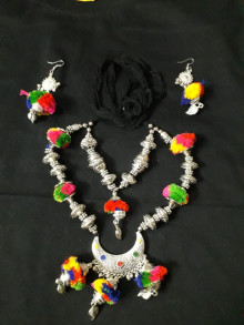 Oxidized Necklace Set with Multicolor Fluff
